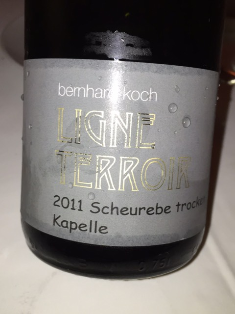 Bernhard koch ligne terroir kapelle scheurebe trocken 2011 for Koch 3 winde