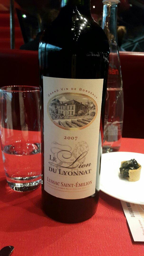Ch teau lyonnat lussac st milion 1973 wine info for Chateau lyonnat