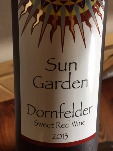 Sun garden dornfelder sweet red 2013 wine info Sun garden riesling