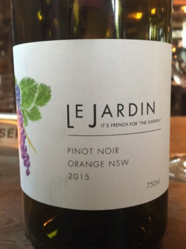 Le jardin pinot noir 2015 wine info for Jardin winery