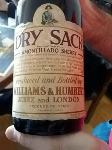 Williams Humbert Dry Sack Amontillado Sherry Vivino